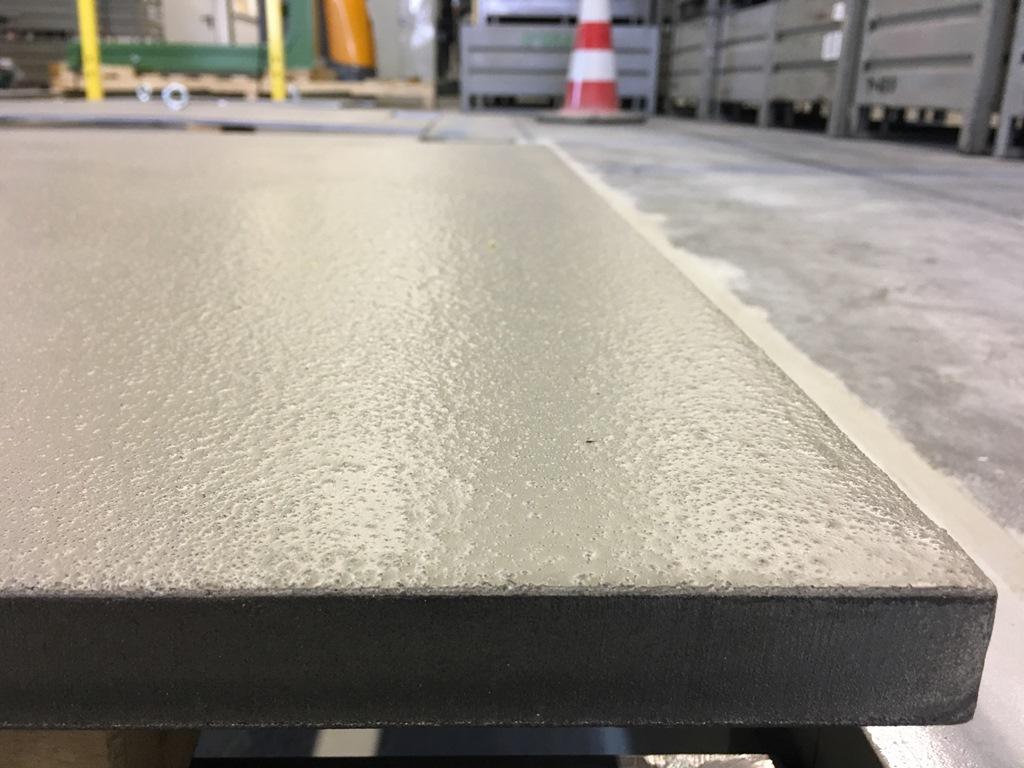 rutschfeste, rutschhemmende, rutschsichere Beschichtung auf Stahl